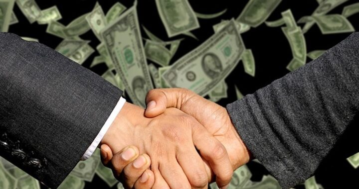 Finance-Handshake
